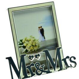 Frame Mr & Mrs Hearts